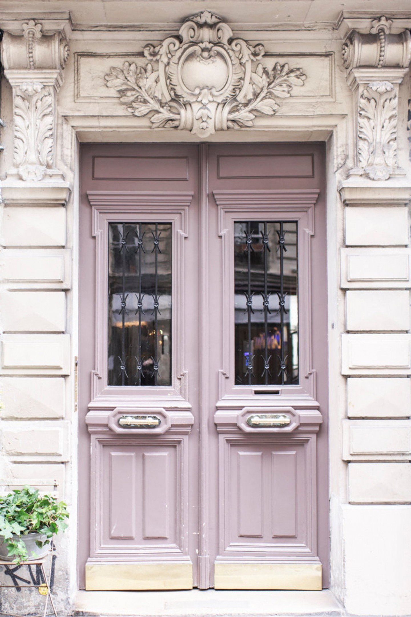 Interior Color Trend: Why are We Seeing Lilac Everywhere   SampleBoard